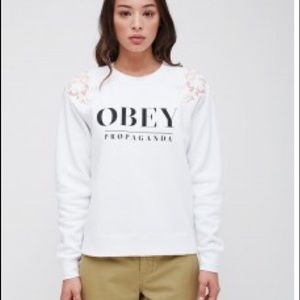 NWT OBEY white lottie crewneck sweatshirt size M